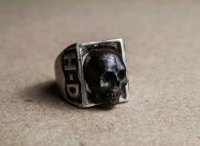 HD Custom jewelery anello teschio in meteorite01