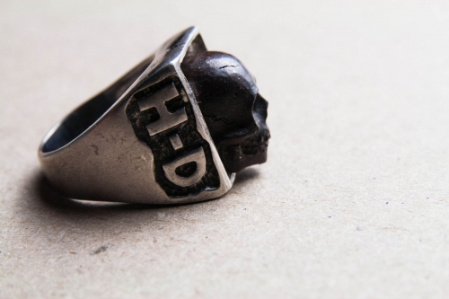 HD Custom jewelery anello teschio in meteorite02