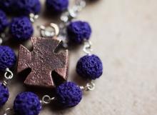 HD rosario pietra lavica colorata01